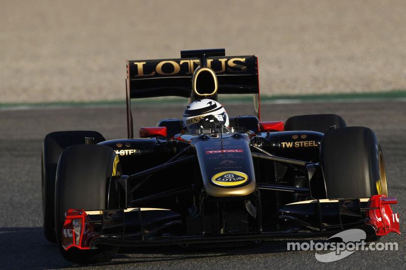 Кімі Райкконен тестує новий болід Lotus Renault