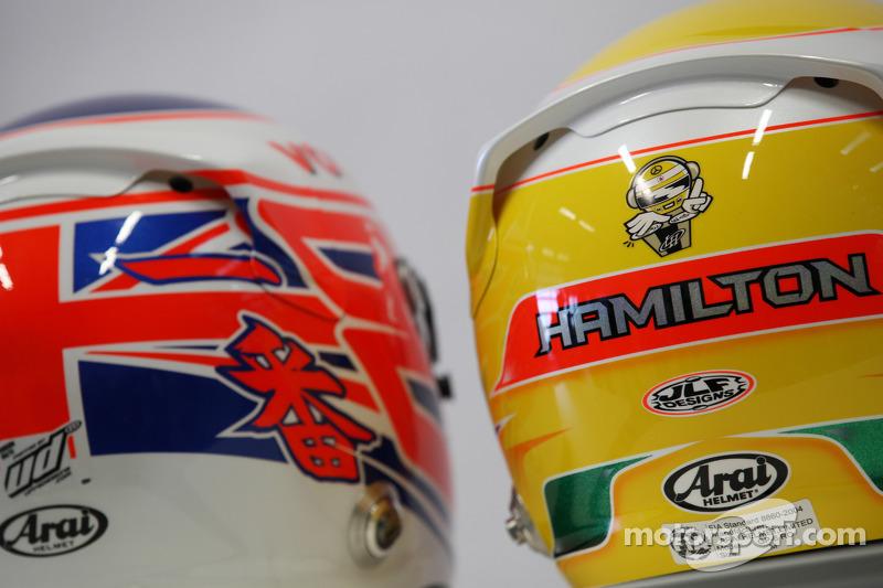 Jenson Button, McLaren Mercedes en Lewis Hamilton, McLaren Mercedes, helm
