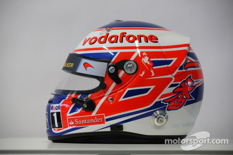 Jenson Button, McLaren Mercedes, helm