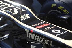 Kimi Raikkonen, Lotus Renault F1 Team nose