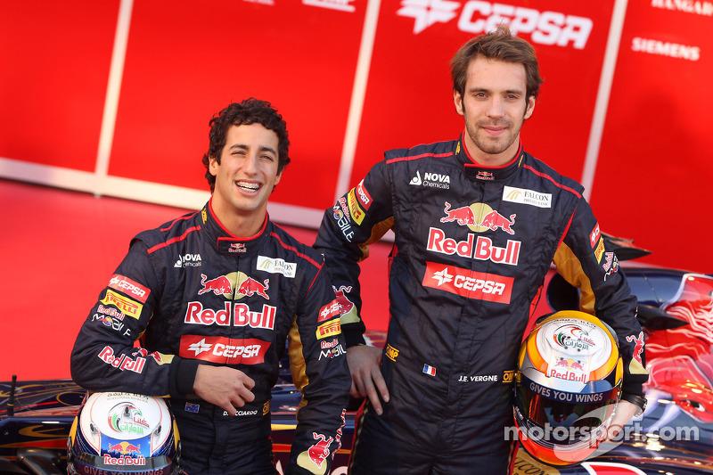 Red Bull, her iki pilotun da yeterince iyi olmadı sonucuna varınca sezon sonunda her iki pilotu da gönderip yerlerine Daniel Ricciardo ve Jean-Eric Vergne'i getirdi.