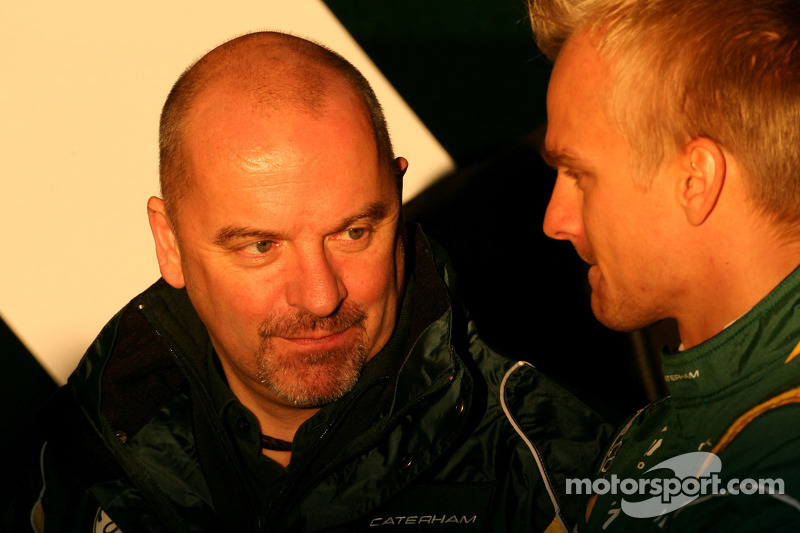 Mike Gascoyne, Caterham Team and Heikki Kovalainen, Caterham F1 Team