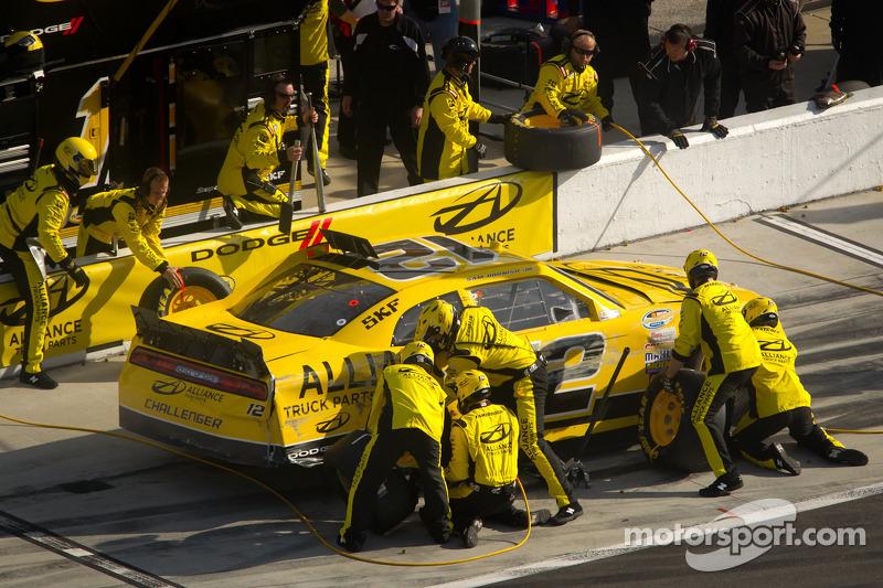 Sam Hornish Jr., Penske Racing Dodge in de pits met schade