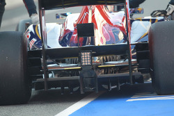 Jean-Eric Vergne, Scuderia Toro Rosso rear wing and diffuser