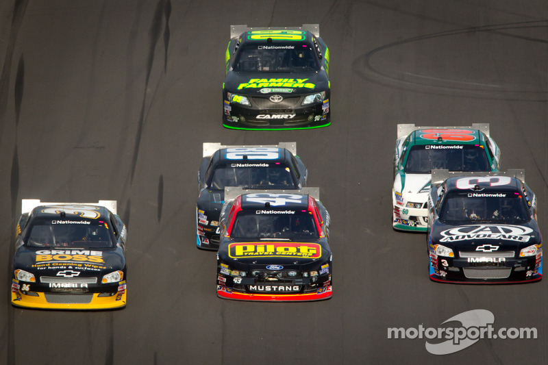 Ryan Truex, Tommy Baldwin Racing Toyota, Michael Annett, Richard Petty Motorsports Ford, Austin Dill