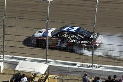 Winner Tony Stewart, Stewart-Haas Racing Chevrolet