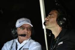 Mike Hull, Chip Ganassi Racing; Dario Franchitti