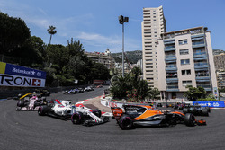 Lewis Hamilton, Mercedes AMG F1 W08, Stoffel Vandoorne, McLaren MCL32, Felipe Massa, Williams FW40, Esteban Ocon, Sahara Force India F1 VJM10