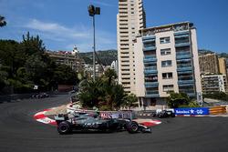 Romain Grosjean, Haas F1 Team VF-17, Kevin Magnussen, Haas F1 Team VF-17, Daniil Kvyat, Scuderia Toro Rosso STR12