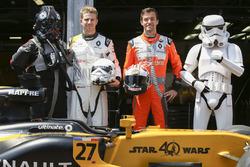 Nico Hulkenberg, Renault Sport F1 Team, Jolyon Palmer, Renault Sport F1 Team, visiting Star Wars characters