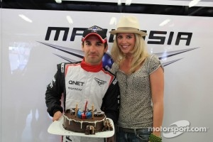 Timo Glock, Marussia F1 Team celebrates his 30th birthday with Isabell Reis (GER) girlfriend of Timo Glock (GER)