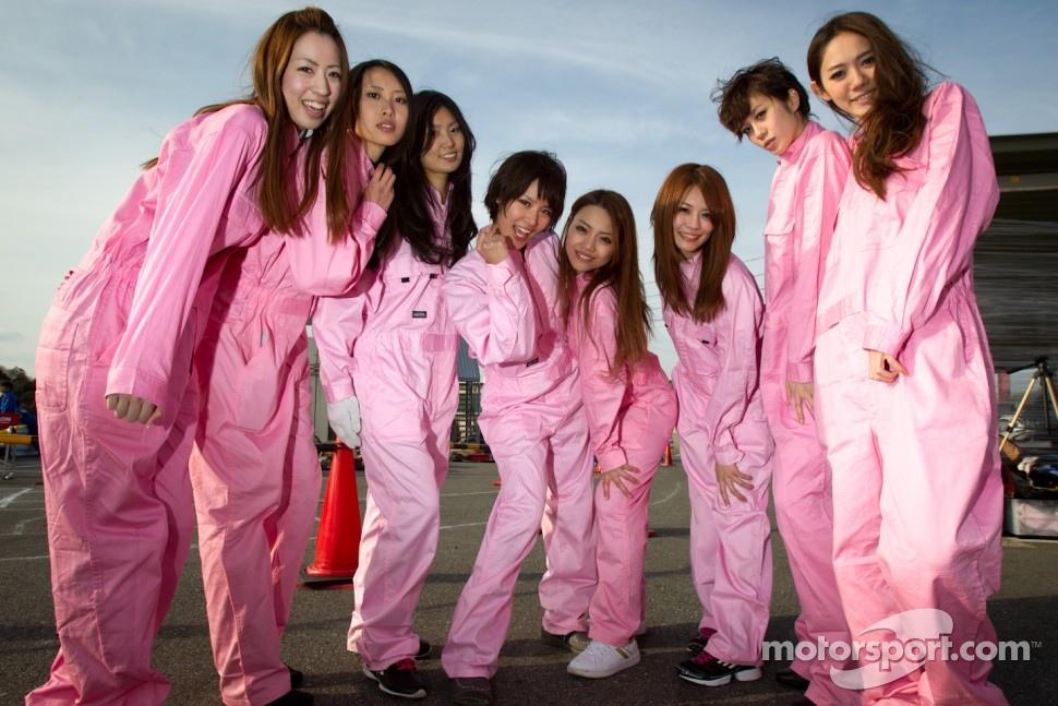 Go-kart charity event: race queens