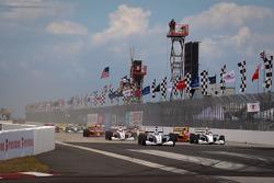 Start: Tristan Vautier, Sam Schmidt Motorsports leads the field