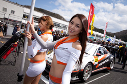 Hankook KTR race queens