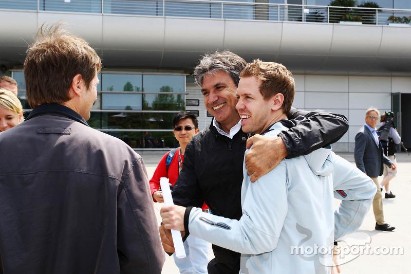Sebastian Vettel, Red Bull Racing met Pasquale Lattuneddu, FOM