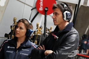 Claire Williams, Williams Press Officer with Toto Wolff, Williams Non Executive Director