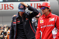 Mark Webber, Red Bull Racing with Fernando Alonso, Scuderia Ferrari on the drivers parade