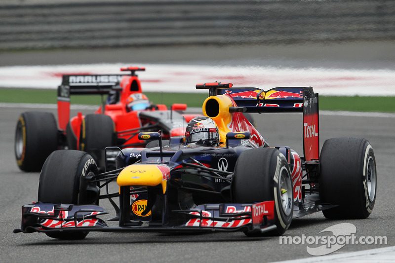 Sebastian Vettel, Red Bull Racing voor Timo Glock, Marussia F1 Team
