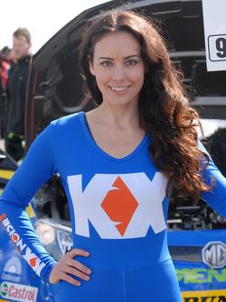 MG KX Momentum Grid Girl