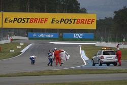 Andy Priaulx, BMW Team RBM BMW M3 DTM lost his hood