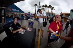 Autograph session: Ricky Taylor