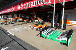 Sahara Force India F1 VJM05 car parts in the pits