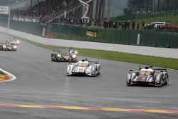 Pace lap, #3 Audi Sport Team Joest Audi R18 Ultra: Romain Dumas, Loic Duval, Marc Gene