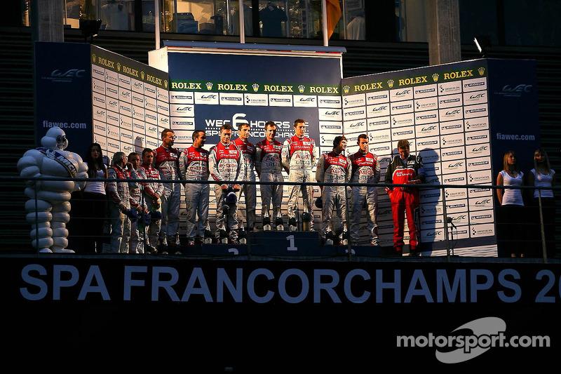 LMP1 Podium: winnaars, Romain Dumas, Loic Duval, Marc Gene; 2de, Allan McNish, Tom Kristensen, Rinal