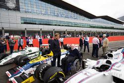 Sir Frank Williams, Nico Rosberg admirent des Williams FW08, FW11 et FW40