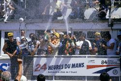Podyum: Klaus Ludwig, Henri Pescarolo, Porsche 956
