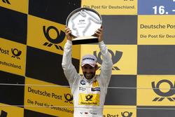 Podio: segundo lugar Timo Glock, BMW Team RMG, BMW M4 DTM