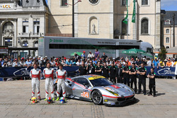 №54 Spirit of Race Ferrari 488 GTE: Томас Флор, Франческо Кастеллаччи, Оливье Беретта