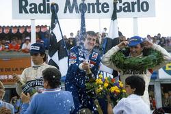 Подиум: победитель Ален Прост, Renault, второе место – Джон Уотсон, McLaren, третье место – Нельсон Пике, Brabham
