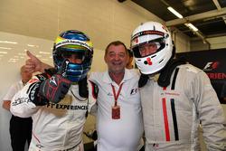 Zsolt Baumgartner, 2 Koltklu F1 Deneyimi pilotu ve Woody Harrelson, Aktör
