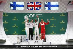 2. Valtteri Bottas, Mercedes AMG F1, Peter Bonnington, Yarış mühendisi, Mercedes AMG ve Yarış galibi Lewis Hamilton, Mercedes AMG F1