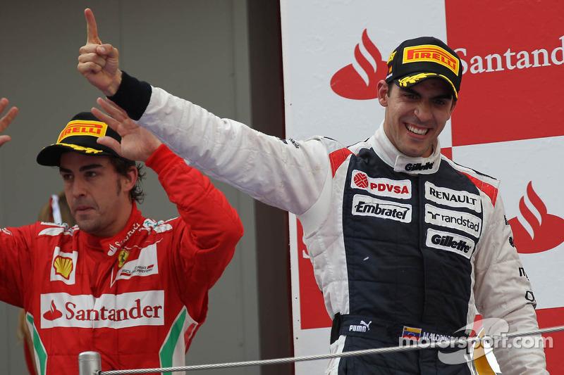 Segundo lugar Fernando Alonso, Scuderia Ferrari y el primer lugar Pastor Maldonado, Williams F1 Team