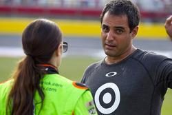 Danica Patrick, Stewart-Haas Racing Chevrolet, Juan Pablo Montoya, Earnhardt Ganassi Racing Chevrole