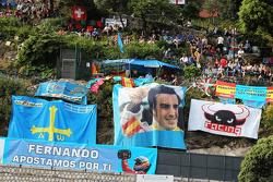 Fernando Alonso, Scuderia Ferrari fans and banners