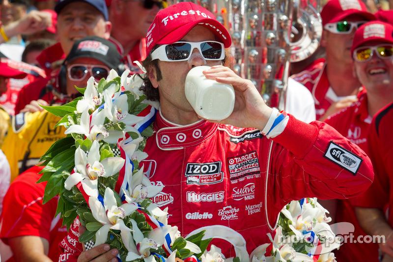 Victory circle: race winner Dario Franchitti, Target Chip Ganassi Racing Honda celebrates