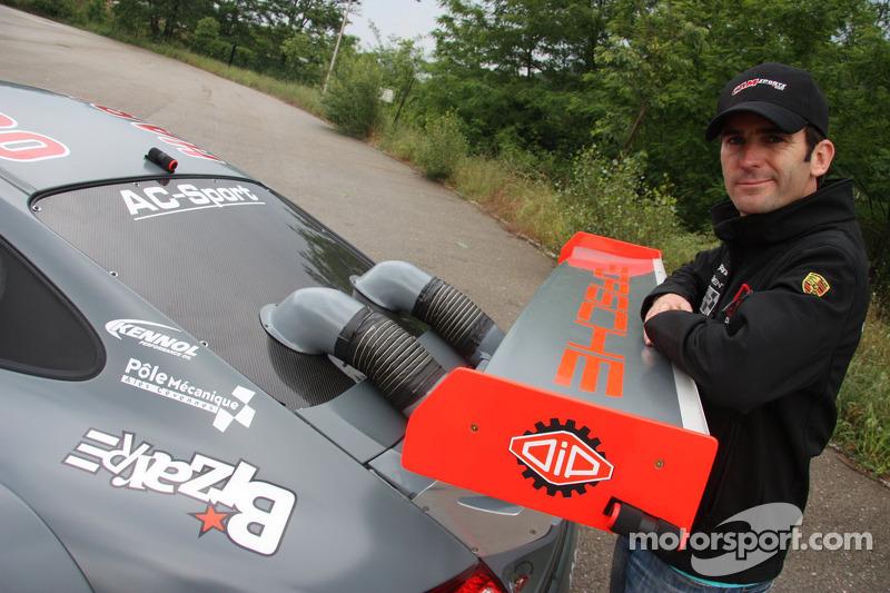 Romain Dumas met zijn Porsche 911 GT3 R