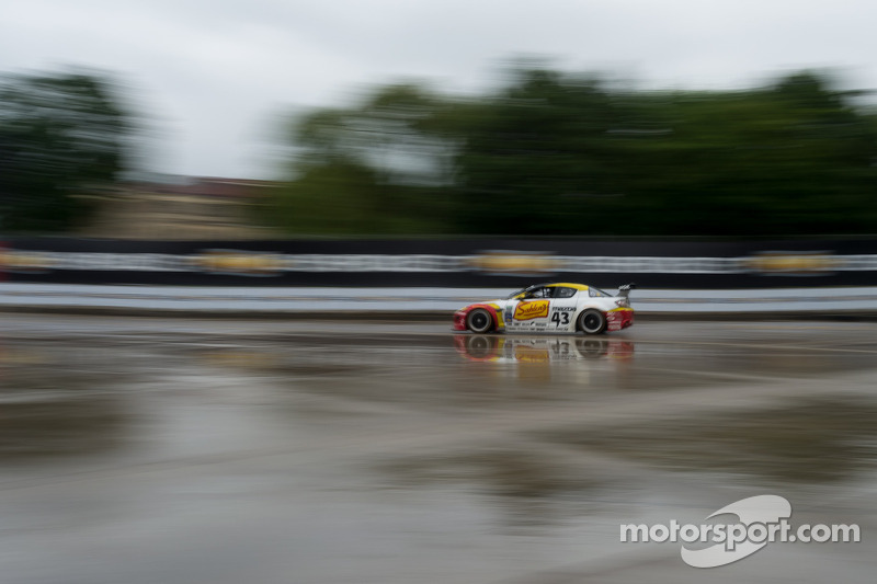 #43 Team Sahlen Mazda RX-8: Wayne Nonnamaker, Joe Nonnamaker, Will Nonnamaker