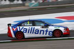 Alain Menu speelt Michel Vaillant met Chevrolet Vaillant