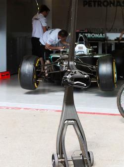 Mercedes AMG F1 pit stop jack
