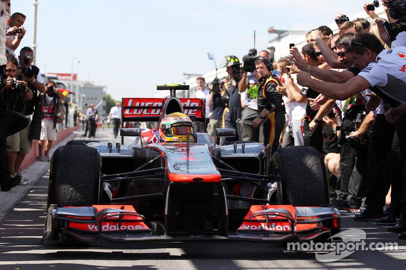 Race winner Lewis Hamilton, McLaren Mercedes in parc ferme
