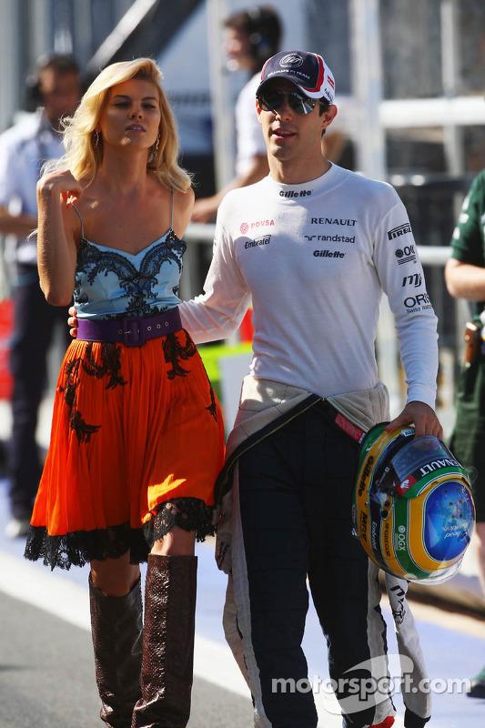 Bruno Senna, Williams with a glamorous model