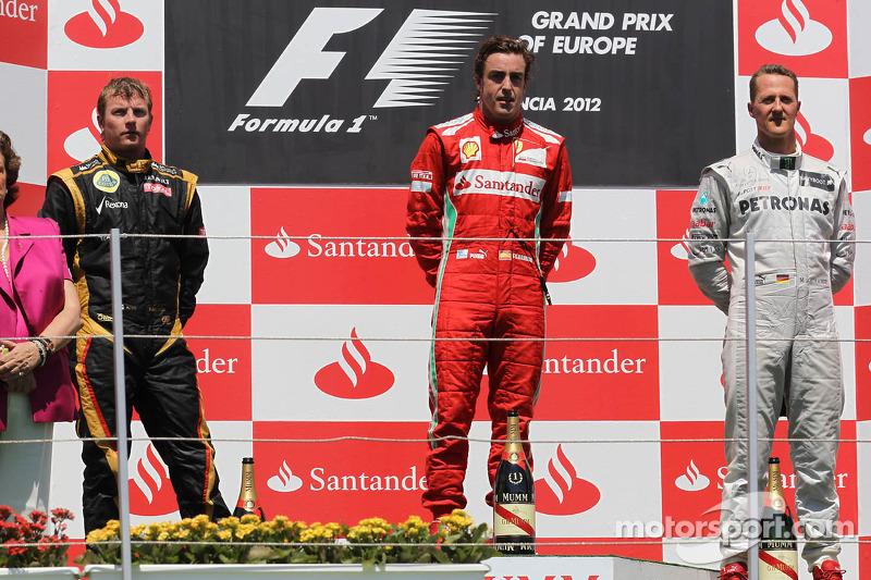 2012. Валенсія. Подіум: 1. Фернандо Алонсо, Ferrari. 2. Кімі Райкконен, Lotus-Renault. 3. Міхаель Шумахер, Mercedes