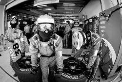 #38 Lexus Team Zent Cerumo team members