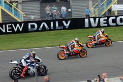Start: Casey Stoner, Repsol Honda Team leads