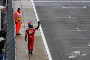 Timo Glock, Marussia F1 Team waves to the fans after spinning in qualifying