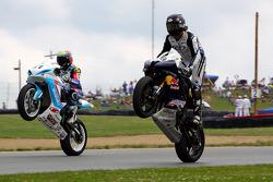 #21 Suzuki GSX-R600: Elena Myers - #69 Yamaha YZF-R6: Hayden Gillim